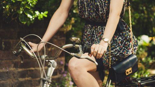 流行のミニバッグにも! 女性におすすめの機能的なコンパクト財布