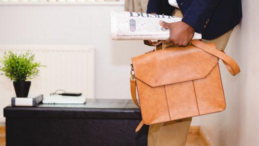 鞄からクールビズを!夏の装いに合わせたいメンズビジネスバッグ
