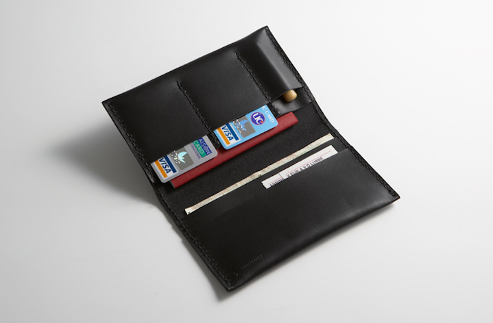 kakuraパスポートケース