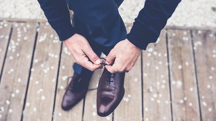 靴磨き-就職祝いのプレゼントメンズ