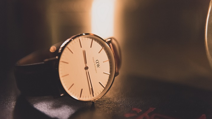 女性におすすめの就職祝いのプレゼント-腕時計