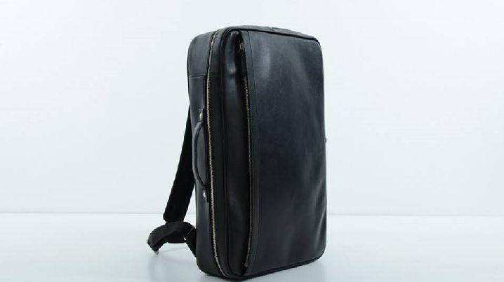 bd4b1d0f15 Business Leather Factory(ビジネスレザーファクトリー)の「ビジネスバックパック」は牛本革の2WAYビジネスリュック 。スーツに似合う上品なスクエアタイプはビジネス ...