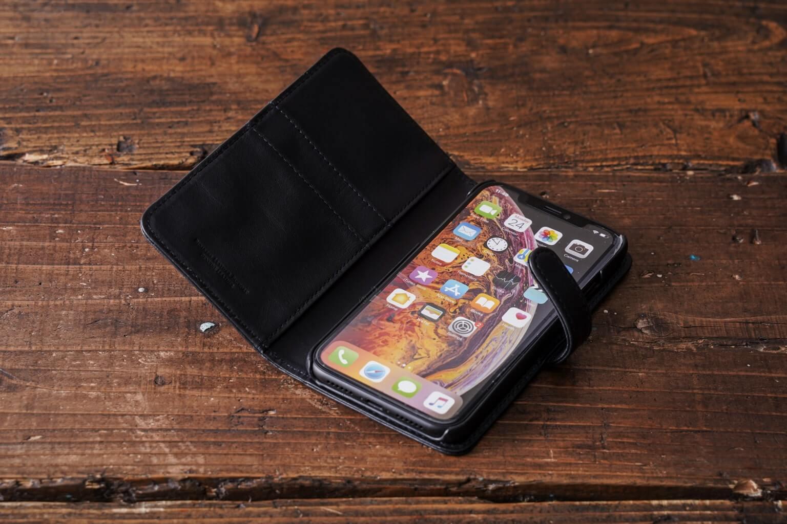 iPhoneケース手帳型(XR)